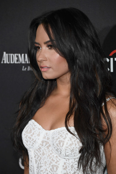 Demi Lovato Long Wavy Cut [hair,hairstyle,long hair,brown hair,shoulder,black hair,eyebrow,layered hair,chin,beauty,demi lovato,roc nation pre-grammy,residence,los angeles,california,red carpet,roc nation pre-grammy brunch]