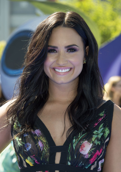 Demi Lovato Jewel Tone Eyeshadow [smurfs: the lost village,photo,hair,face,beauty,hairstyle,brown hair,lady,eyebrow,long hair,smile,model,demi lovato,arrivals,arclight culver city,california,sony pictures,columbia pictures,premiere,sony pictures animation world premiere]
