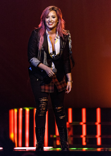 More Pics of Demi Lovato Ripped Jeans (5 of 33) - Jeans Lookbook - StyleBistro [performance,music artist,performing arts,event,musician,fashion,talent show,singer,pop music,singing,demi lovato,vancouver,bc,canada,rogers arena,demi lovato the neon lights tour,opener,opener]