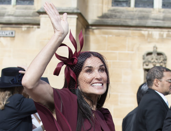 Demi Moore Fascinator [eugenie of york,jack brooksbank,princess,demi moore,temple,v sign,event,gesture,smile,wedding,york,england,windsor,st. georges chapel]