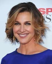 Brenda Strong added some soft curls to her ombre tresses for the 'Desperate Housewives' series finale.