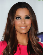 Eva Longoria added some ultra-long lashes to complete her smoky-eyed look for the 'Desperate Housewives' series finale.