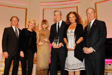 Diane Von Furstenberg Terry Lundgren 2010 NYC & Company Foundation Leadership Awards Gala - Dinner