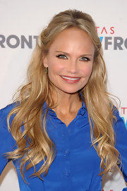 Kristen Chenoweth attended NewFront 2012 with her hair half up and long loose waves swept over her shoulders.