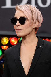 Noomi Rapace sported an edgy pink-dyed 'do at the Dior Homme Fall 2018 show.
