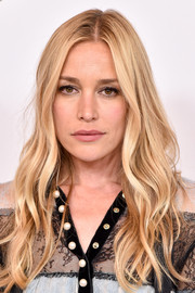 Piper Perabo sported glamorous long waves at the Disney ABC Summer TCA Tour.