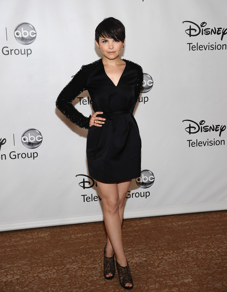 More Pics of Ginnifer Goodwin Short Straight Cut (4 of 17) - Short Hairstyles Lookbook - StyleBistro