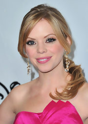 Dreama Walker attended the TCA Winter Press Tour wearing her strawberry blond hair in a low ponytail with pretty face-framing strands.