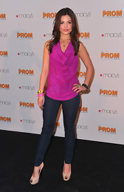 The dark wash skinny jeans were perfection on Danielle Campbell.