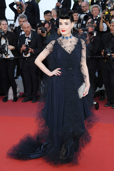 Dita Von Teese Metallic Clutch [red carpet,carpet,clothing,flooring,dress,premiere,fashion,event,fashion model,gown,carpet,dress,dita von teese,rocketman red carpet,screening,red carpet,fashion,cannes,the 72nd annual cannes film festival,premiere,lady gaga,2019 met gala,red carpet,fashion,litex \u0161aty d\u00e1msk\u00e9 s k\u0159id\u00e9lkov\u00fdm ruk\u00e1vem. 90304901 \u010dern\u00e1 m,dress,model,the metropolitan museum of art,premiere,celebrity]