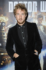 Arthur Darvill attended the preview screening of 'Dr. Who' wearing a fashionable black velvet slim-fitted blazer.