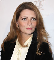 Mischa Barton attended the Domingo Zapata Oscar Art Show wearing her layered hair in soft waves.