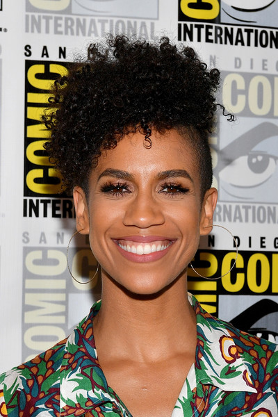 Dominique Tipper Short Curls [hair,hairstyle,magazine,jheri curl,black hair,s-curl,afro,lace wig,dominique tipper,the expanse press line,san diego,california,hilton bayfront,comic-con international,comic-con international 2017]