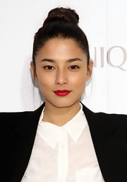 Jessica Gomes sported a twisted top knot at the Dramatically Different Party in NYC.