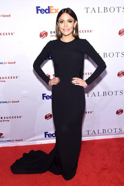 Bethenny Frankel kept it minimal in a long-sleeve black fishtail gown at the Dress for Success Gala.