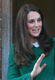Kate Middleton looked pretty, as always, with her loose wavy hairstyle while visiting East Anglia's Children's Hospices.
