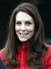 Kate Middleton attended a London Marathon training wearing her signature flippy waves.