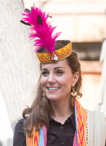 Kate Middleton toured Chitral, Pakistan wearing a pair of gold chandelier earrings by Missoma.