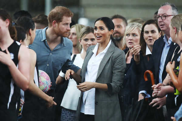 More Pics of Meghan Markle Ankle Boots (5 of 177) - Boots Lookbook - StyleBistro [people,crowd,event,photography,audience,team,gesture,tourism,harry,meghan,rain,australia,duchess,sussex,cities,duke of sussex,duke and duchess of sussex visit,storm]