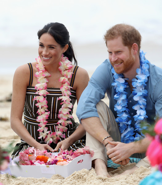 More Pics of Meghan Markle Print Dress (1 of 305) - Meghan Markle Lookbook - StyleBistro [fun,vacation,sand,summer,leisure,beach,happy,tourism,event,sitting,harry,members,mental health,wellbeing,australia,sussex,duchess,duke of sussex,onewave,duke and duchess of sussex visit]