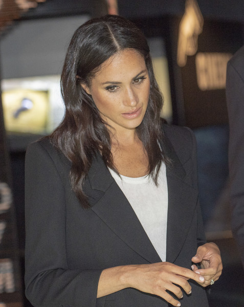 More Pics of Meghan Markle Pantsuit (5 of 364) - Meghan Markle Lookbook - StyleBistro