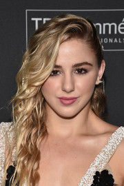 Chloe Lukasiak glammed it up with these half-pinned waves at the E!, ELLE, and IMG NYFW kickoff celebration.