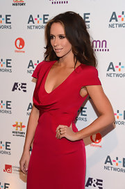 Jennifer Love Hewitt wore her hair in long beachy waves while attending a 2012 Upfront event.