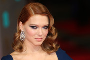 Lea Seydoux amped up the glitz factor with a pair of diamond chandelier earrings by Chopard.