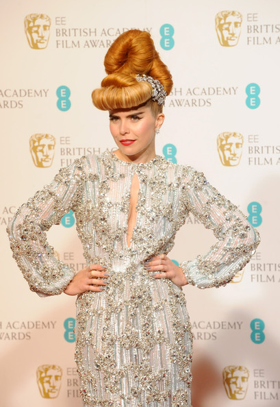 More Pics of Paloma Faith Retro Updo (1 of 10) - Retro Updo Lookbook - StyleBistro
