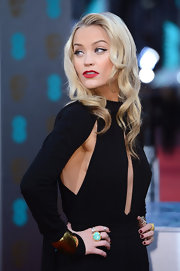 Laura Whitmore channeled old-school glamour with cat eye make up and platinum blonde waves.