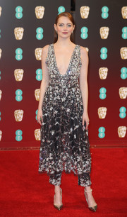 Emma Stone made an ultra-chic statement in an ornately embellished dress and pants combo by Chanel Couture at the 2017 BAFTAs.