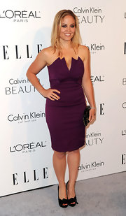 We haven't seen much of Erika lately, but the actress looked stunning in a deep purple strapless dress.