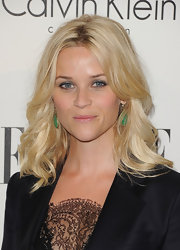 Reese Witherspoon wore her hair in loose, feathered waves at the 'Elle' 18th Annual Women in Hollywood Tribute.