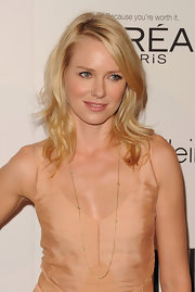 Naomi Watts wore an infinity necklace in 18-carat yellow gold with diamonds at the 'Elle' 18th Annual Women in Hollywood Tribute.