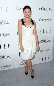 Katie Lowes looked downright glamorous at the Elle Women in Hollywood celebration in a white wrap dress with black lace shoulder straps.