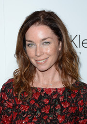 Julianne Nicholson wore a casual shoulder-length wavy 'do at the Elle Women in Hollywood celebration.