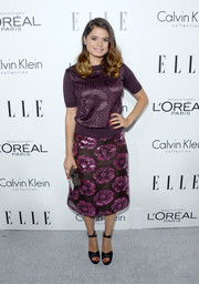Melonie Diaz looked laid-back yet chic in a plum-colored knit top and a matching skirt at the Elle Women in Hollywood celebration.