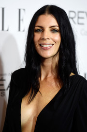 Liberty Ross went for a goth vibe with this center-parted 'do and black gown combo at the Elle Women in Hollywood event.