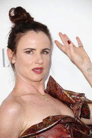 Juliette Lewis went the punky route with this messy top knot during Elle's Women in Hollywood celebration.