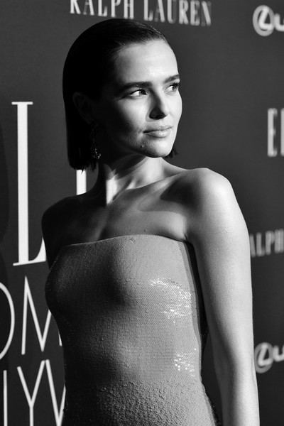 More Pics of Zoey Deutch Dark Nail Polish (1 of 10) - Zoey Deutch Lookbook - StyleBistro [image,shoulder,model,beauty,lip,hairstyle,fashion model,fashion,magazine,black-and-white,photo shoot,lexus - arrivals,ralph lauren,26th annual women in hollywood celebration,zoey deutch,los angeles,the four seasons hotel,california,beverly hills,elle]