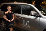 Sydney Sweeney paired a beaded purse with her off-the-shoulder LBD for the 2019 Elle Women in Hollywood celebration.