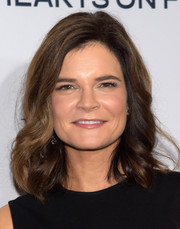 Betsy Brandt wore lovely feathered waves to the Elle Women in Television dinner.