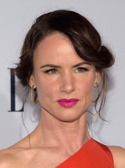 Juliette Lewis worked a vintage vibe with this rolled updo at the Elle Women in Television dinner.