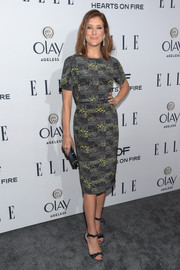 Kate Walsh kept it low-key in a printed sheath dress by Novis at the Elle Women in Television dinner.