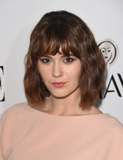 Mary Elizabeth Winstead wore her hair in a wavy bob at the 2015 Elle Women in Television celebration.