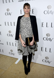 Amanda Peet arrived at ELLE's Annual Women in Television Celebration in a cute dalmatian print dress.