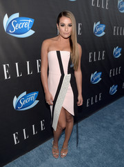 Lea Michele opted for an ultra-modern striped and grommeted strapless dress by J. Mendel when she attended the Elle Women in Comedy event.