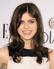 Alexandra Daddario attended the Elle Women in Television celebration wearing a messy-chic wavy cut.