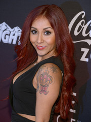 Nicole Polizzi showed off fabulously coiffed waves at the ESPN party.