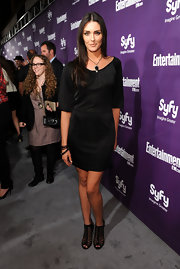 Taylor Cole seemed perfectly at home on the non-red carpet in this sexy little black dress.